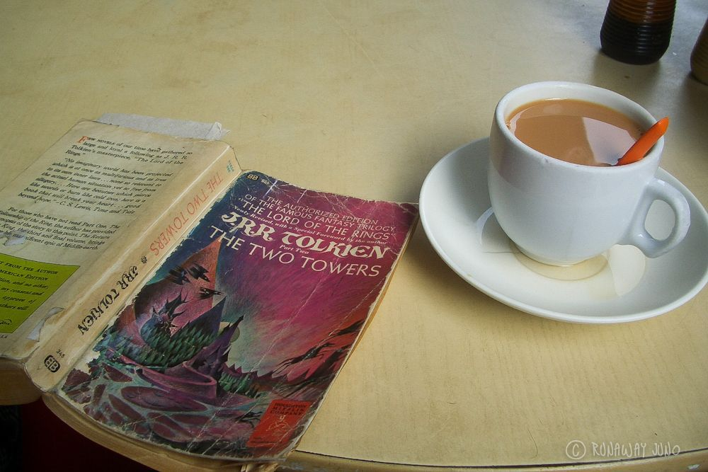 Reading_Milktea_Singapore