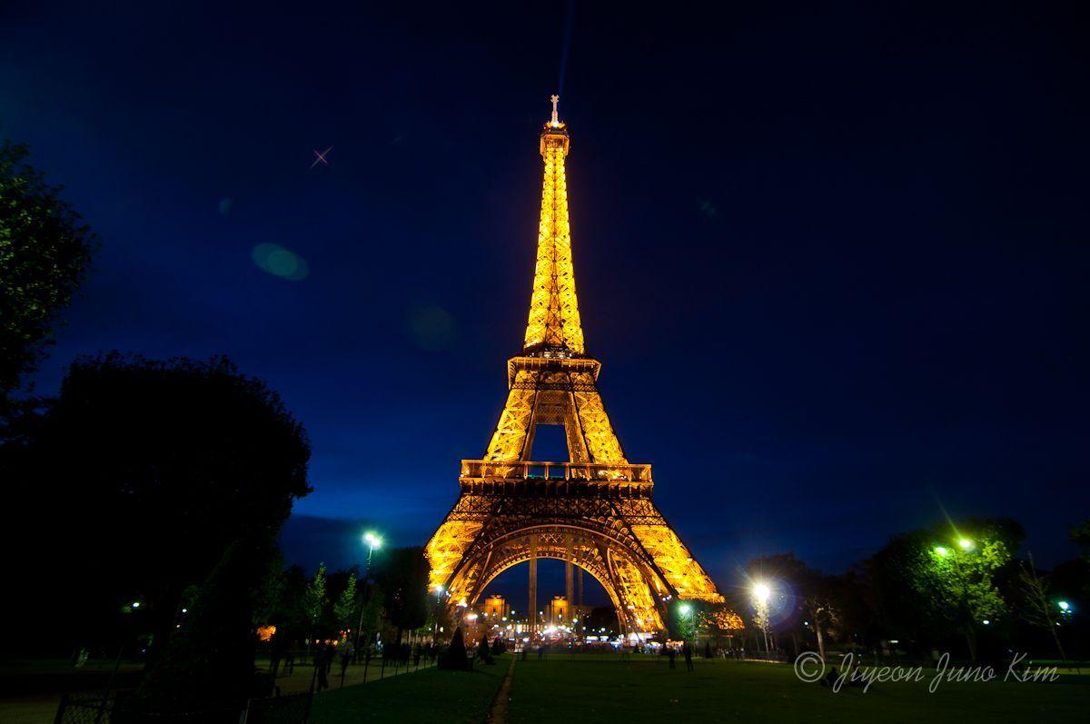 Runaway Photo: The Eiffel Tower