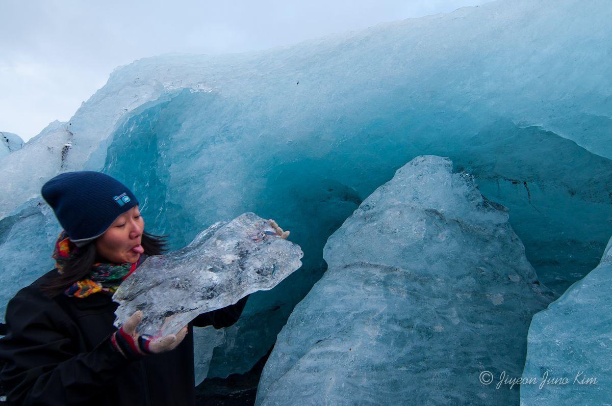 http://runawayjuno.com/wp-content/uploads/2012/12/iceland-glacier.jpg