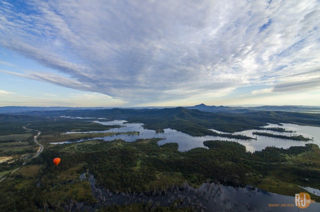 Hot air balloon ride in Gold Coast - looking down the Advancetown Lake